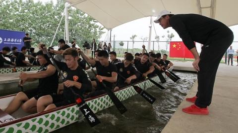 凭啥?这支非体育专业的大学生队伍,即将代表中国出征亚洲龙舟赛!