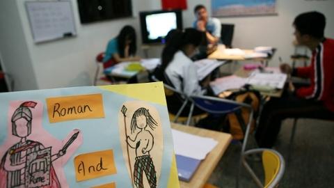 他们为何还有余力学习法语德语西班牙语??二外课程让高中生接纳多元文化