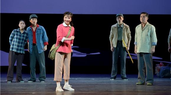 彩排现场台上台下亲如一家 沪剧《敦煌女儿》看哭原型樊锦诗