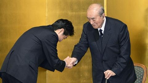 """中曾根康弘成日本第二名""""百岁首相"""" 曾强调日本政治家应当正视历史"""