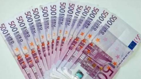 卢布流通700年屹立不倒,500欧元现身不足20年即将退出,货币暗藏时代变迁