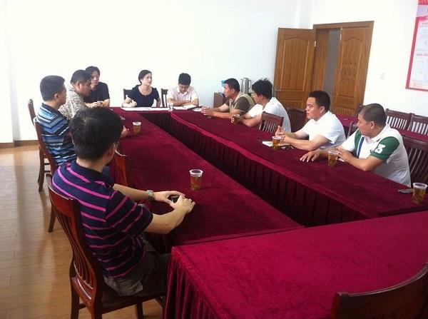"""居委、""""新居民党组织""""、大货车司机代表开启了""""三方会议"""".jpg"""