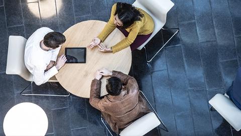 英拟强制企业发布职员与高管工资差