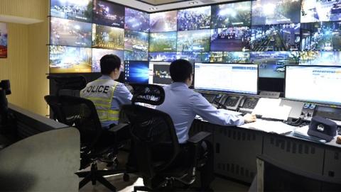 """凌晨四点的上海 谁在守护安宁?记者探访""""都市守夜人"""""""