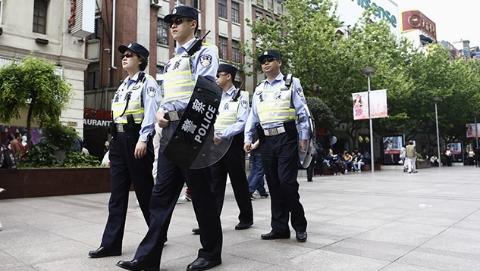 新时代新作为新篇章丨上海110警情缘何半年下降20%?记者揭秘上海警务工作模式的变革