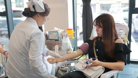 173人捐血34800毫升 首届长宁区医务人员无偿献血月启动