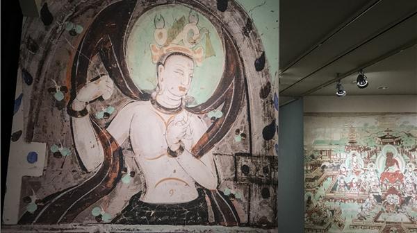 在敦煌壁画乐舞专题展上,壁画上的舞者活起来了,乐音也响起来了图片