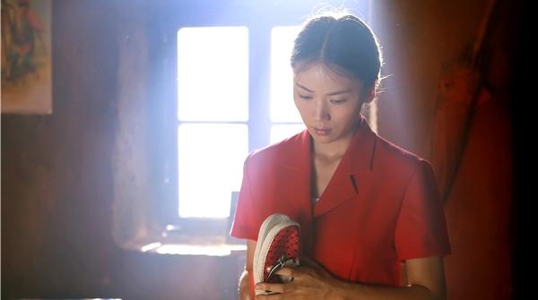 《海边女人》电视剧频道周五开播,看曹曦文巩峥唐曾如何勤劳追梦