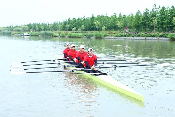 图说:首届市民赛艇挑战赛举行 采访对象供图.JPG