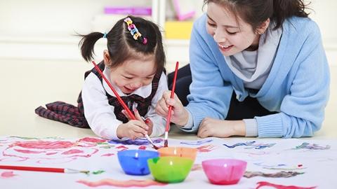 到2020年,上海各区都将建成家庭教育指导中心