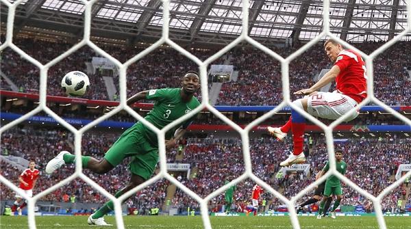 名人堂 棋圣聂卫平:一场球看出欧亚差距,最看好还是德国队