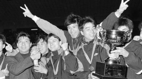 还记得中国职业联赛的首位外援瓦洛佳吗?我们在圣彼得堡找到了他