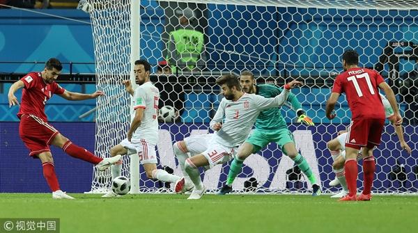 VAR今晨再成世界杯赛场主角:伊朗队进球被判无效憾负西班牙