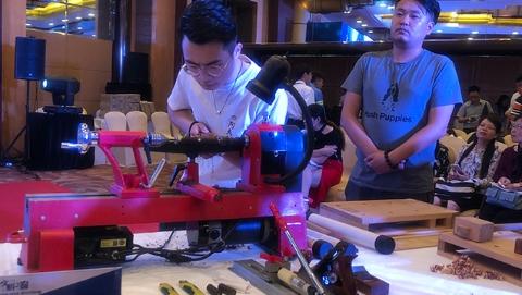 迎接进口博览会      徐汇举办窗口行业技能风采展示活动