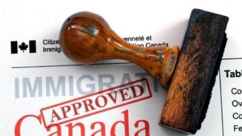 留学与移民 | 加拿大放宽超级签证政策 探亲的父母们将获更多停留时间