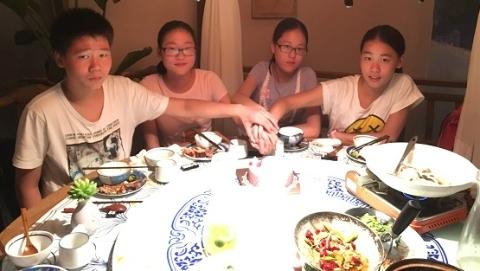 新闻追踪|时隔十五载,当年的上海龙凤四胞胎初中毕业了
