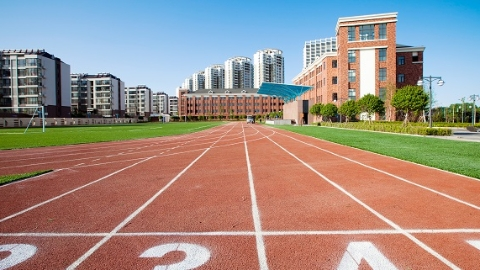 每所学校由一名市级名校长领衔 上海启动百所公办初中强校工程