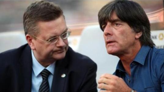 """德国足协官宣:勒夫将继续执教""""日耳曼战车"""""""
