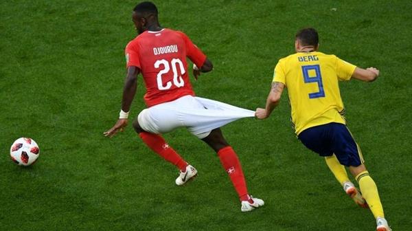 瑞士队球裤.jpg