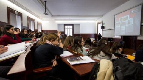 四海城事   葡萄牙年轻人成欧洲啃老最严重一族