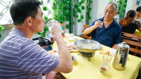 大啖羊肉 小酌烧酒:张泽羊肉文化节昨天火热开幕