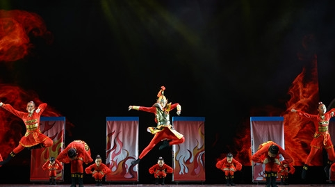 """传承民族精神释放内心渴望 孩子们用舞蹈绘一幅""""中国梦"""""""