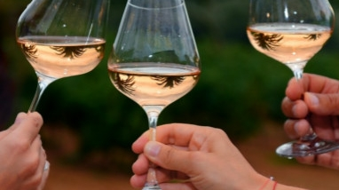 以次充好 西班牙冒牌粉红酒流入法国