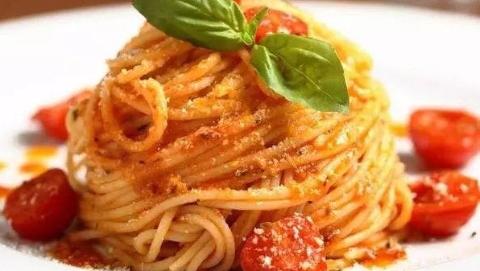 英国调查发现常吃意大利面或使女性更年期提前