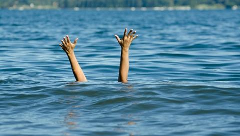 新民交通法援│小孩工地溺水,该找谁索赔?