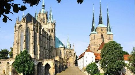 天下游 | 这座被中德总理都点了名的小城你听说过吗?