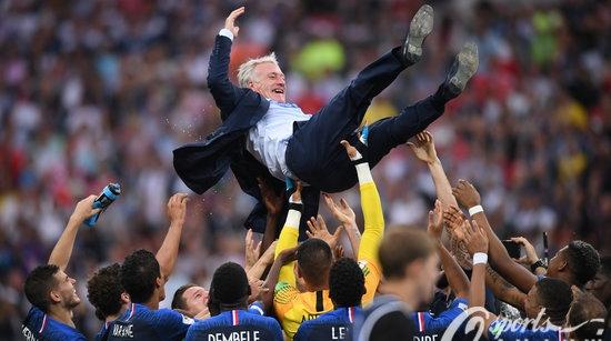 从家门口丢冠到莫斯科问鼎,法国足球是如何修炼的?
