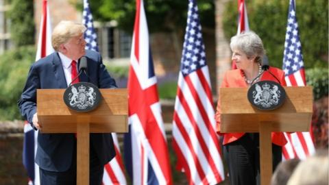 特朗普给英国支招:别谈判了 起诉欧盟