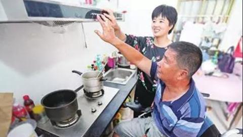 """松江区大调研走访困难群体5675人 把关爱送到""""沉默的少数""""身边"""