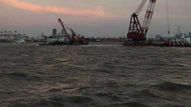 吴淞口沉船救援后续 现场发现5名遇难者