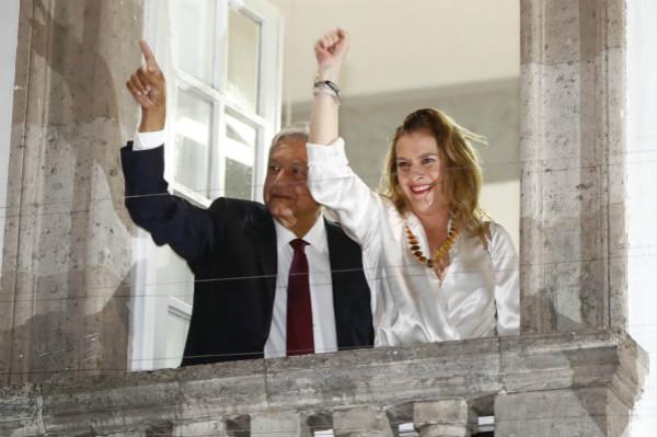 墨西哥当选总统承诺放弃一半薪水