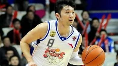 独家!刘炜将与上海男篮签约 下赛季再战CBA