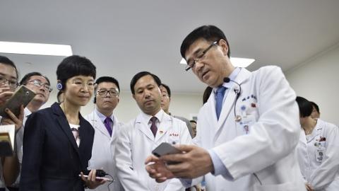 新时代新作为新篇章丨对标国际国内最高标准 上海实现医疗技术能力与质量水平双提升