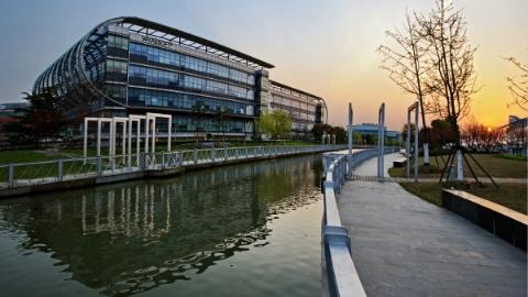 上海紫竹高新技术产业开发区:16年走出一条独特的科技园区发展之路