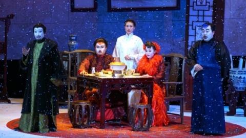 """上海歌剧院""""萨雷马歌剧节""""演出落幕 东方《赌命》感染欧洲歌手"""