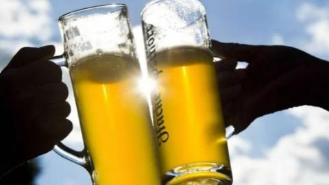 德国今年太热了,各大酒厂啤酒瓶子都不够用了