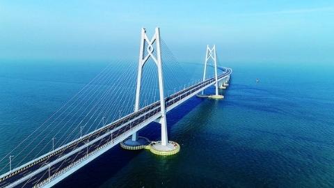 """港珠澳大桥""""嵌入""""同济最新成果 世界最长沉管隧道突破技术瓶颈"""