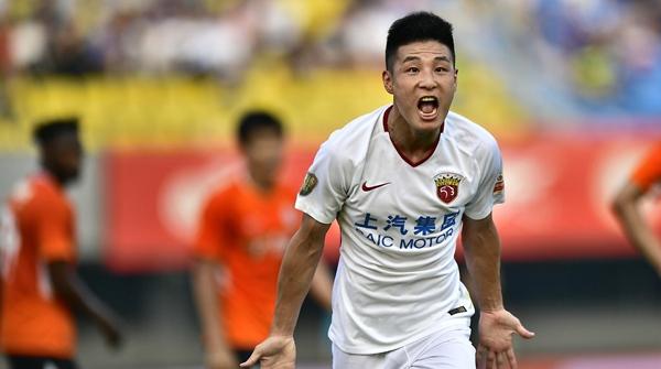 武磊88球并列成中超射手王 球迷对他期待多多