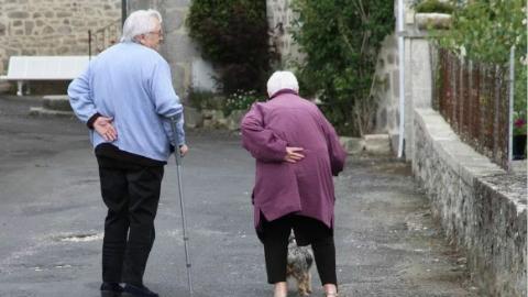 """走出孤独,互助为乐,法国老人试水""""合作""""养老"""