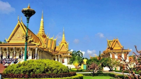 上半年柬埔寨接待外国游客逾300万人次