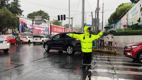 """防御台风""""云雀"""" 嘉定:应急抢险人员7026人集结待命"""