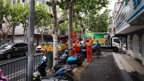 """防御台风""""云雀"""" 惠南镇转移安置2665人 800人抢险队伍通宵排查"""