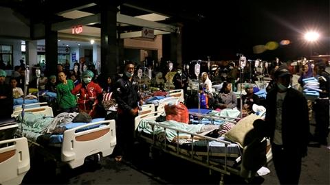 印尼龙目岛7.0级地震已致死82人、数百人受伤