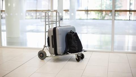 航空公司弄丢行李 派直升机送还乘客