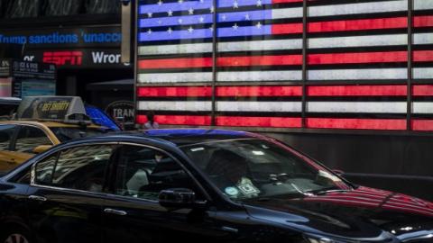 纽约市一年内停发网约车新牌照
