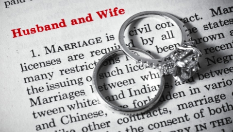 """谁来拯救百万家庭的婚姻? 调解""""正规军""""或推动离婚程序改革"""